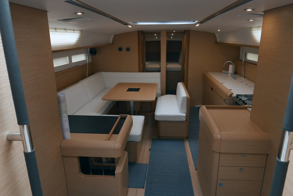 Jeanneau Sun Odyssey 519 between personal and professional San Vincenzo