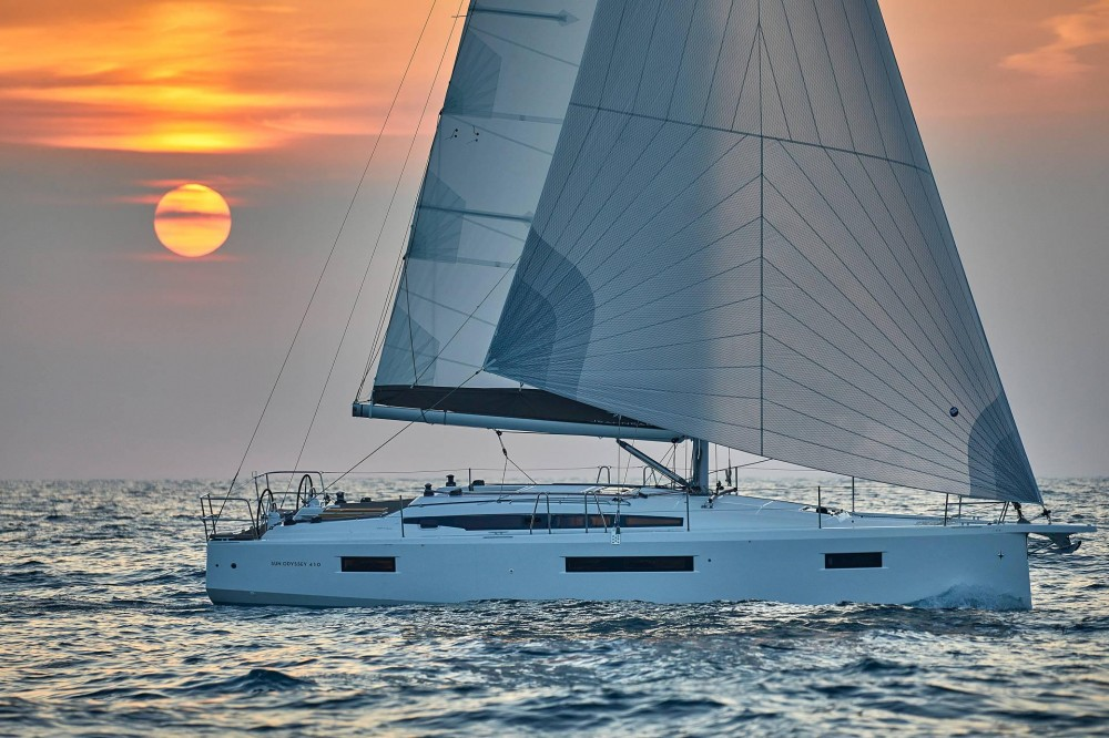 Jeanneau Sun Odyssey 410 between personal and professional San Vincenzo