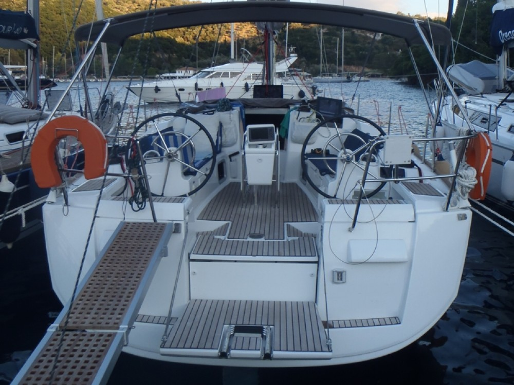 Rental Sailboat in Volos Municipality - Jeanneau Sun Odyssey 409