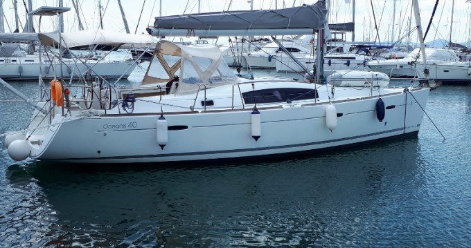 Sailboat for rent Eleusis at the best price