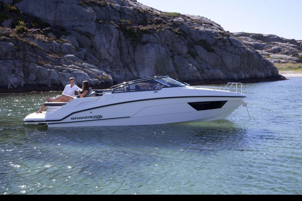 Motor boat for rent Traù at the best price