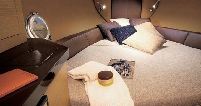 Boat rental Trogir cheap Sessa Marine S26