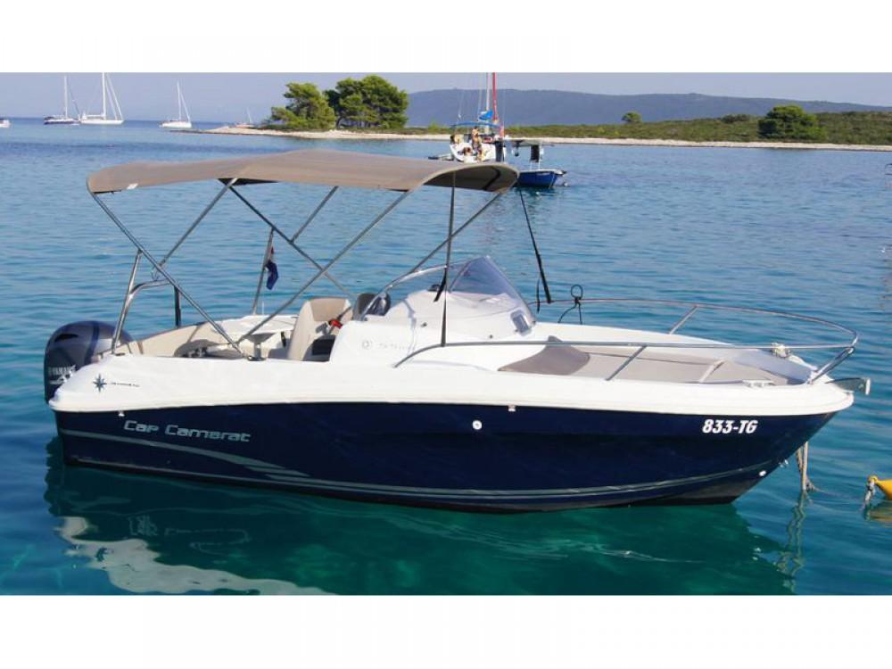 Boat rental Jeanneau Jeanneau Cap Camarat 5.5WA S2 in Trogir on Samboat