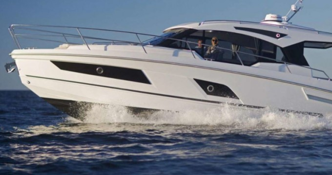 Hire Motorboat with or without skipper Grandezza Trogir