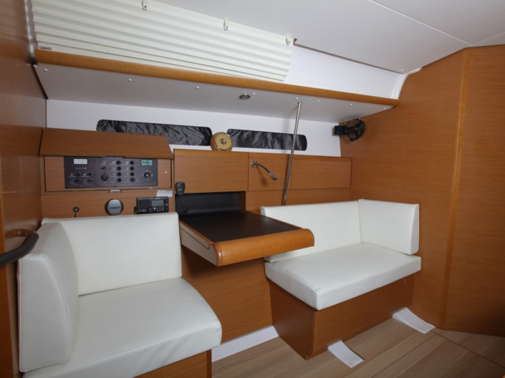 Boat rental Jeanneau Sun Odyssey 439 in Tivat on Samboat