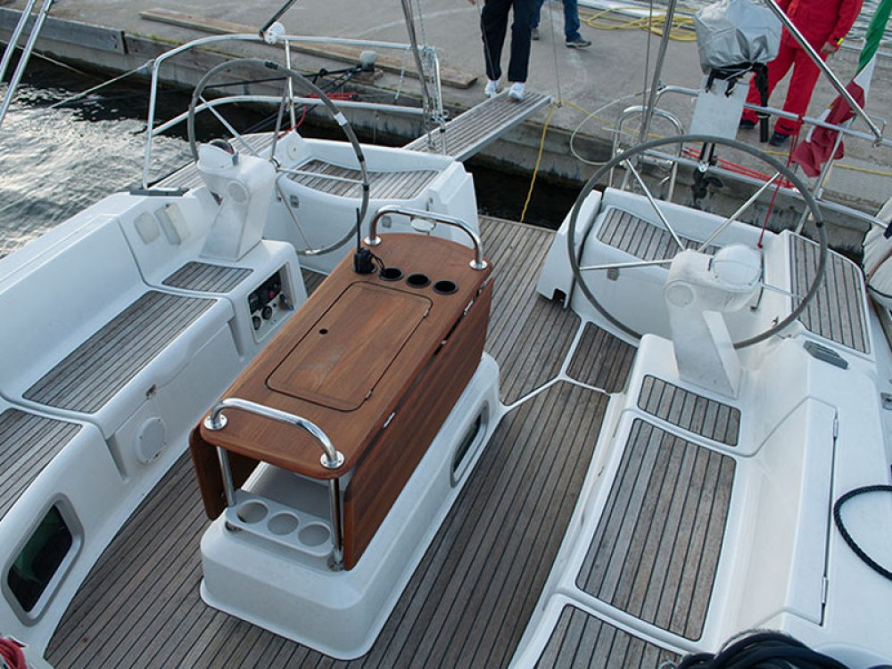 Hire Sailboat with or without skipper Jeanneau Fezzano