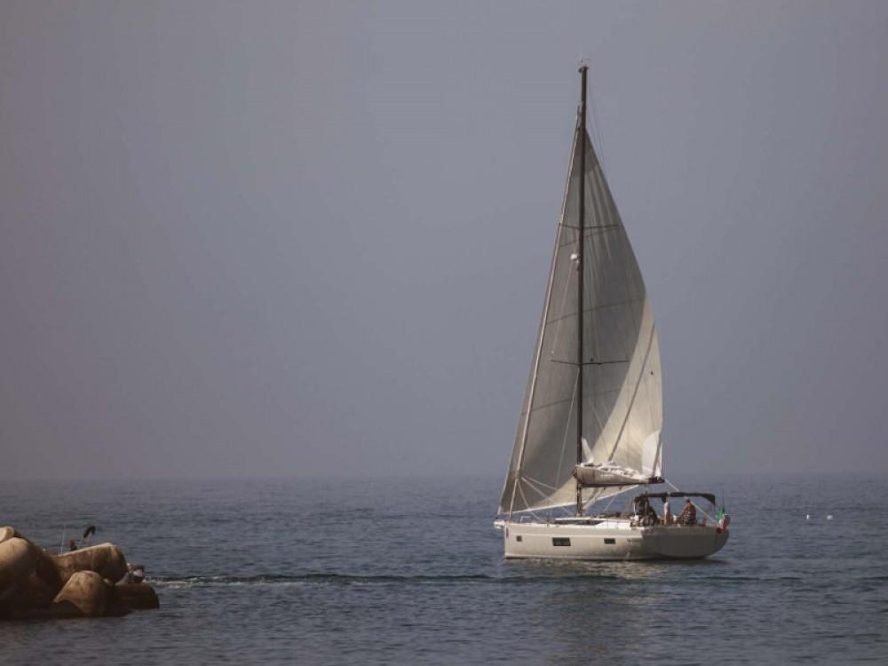 Sailboat for rent Castellammare di Stabia at the best price