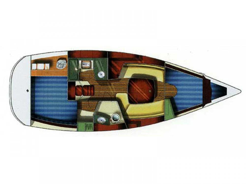 Boat rental Jeanneau Sun Odyssey 32 in Alimos Marina on Samboat