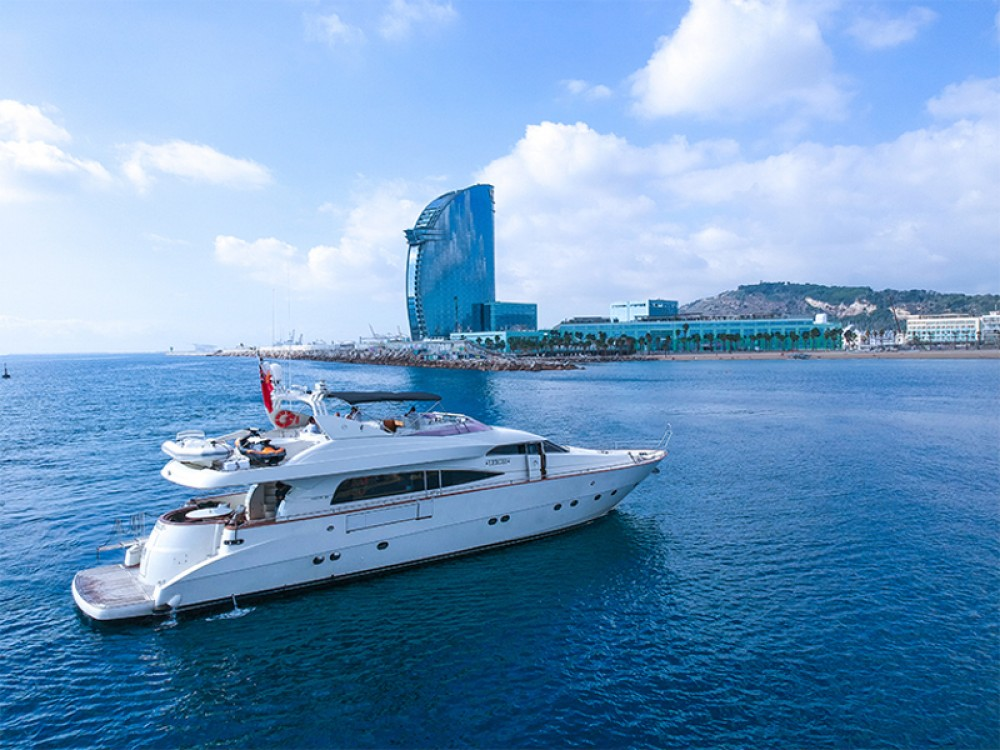 Hire Yacht with or without skipper Mochi Barcelona