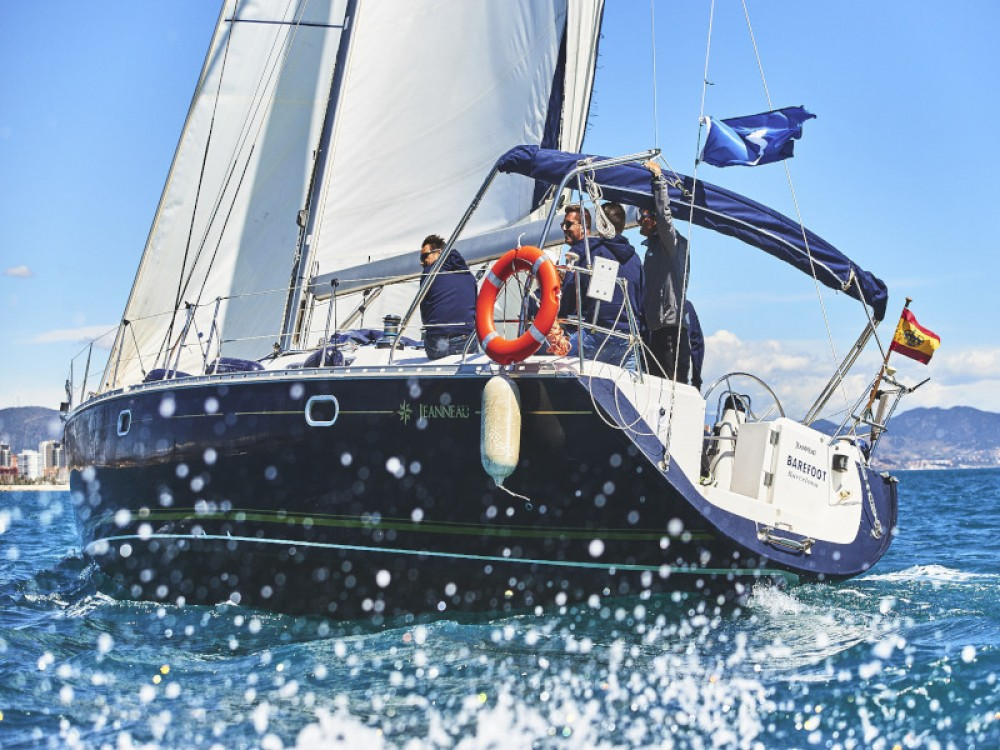 Hire Sailboat with or without skipper Jeanneau Gavà