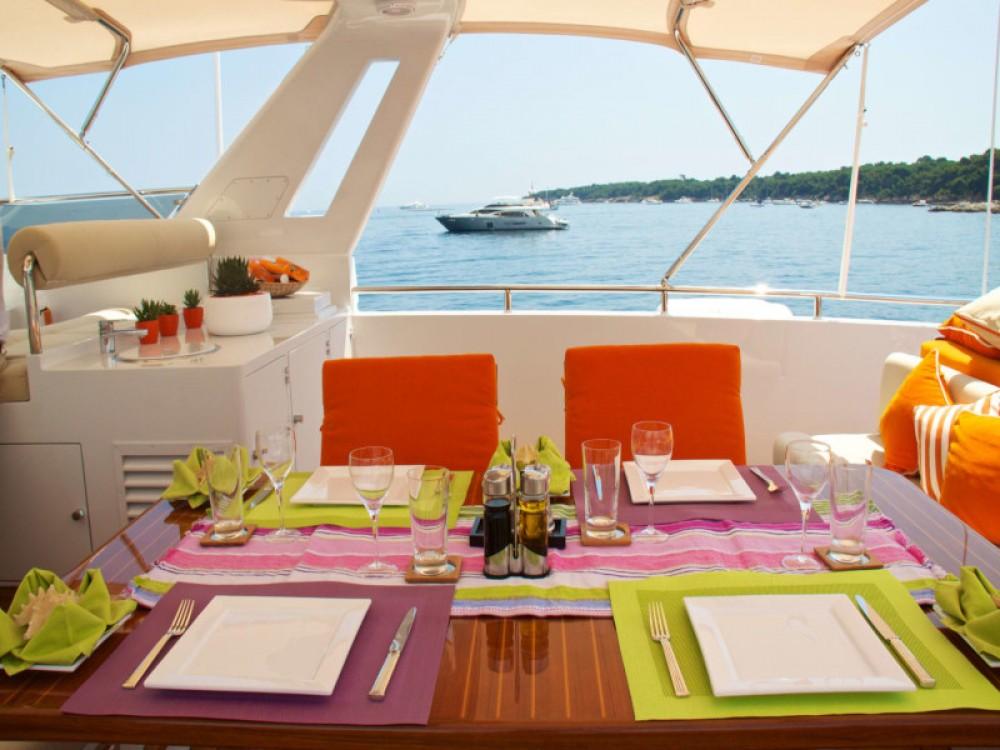 Rental yacht  -  Heesen Yacht on SamBoat