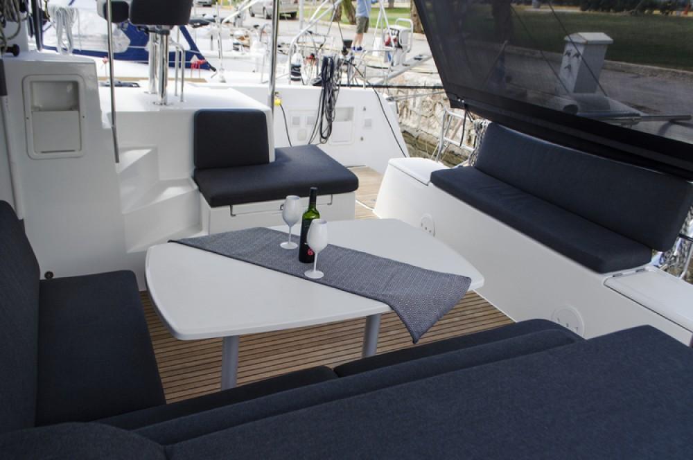 Boat rental Alimos Marina cheap Lagoon 40