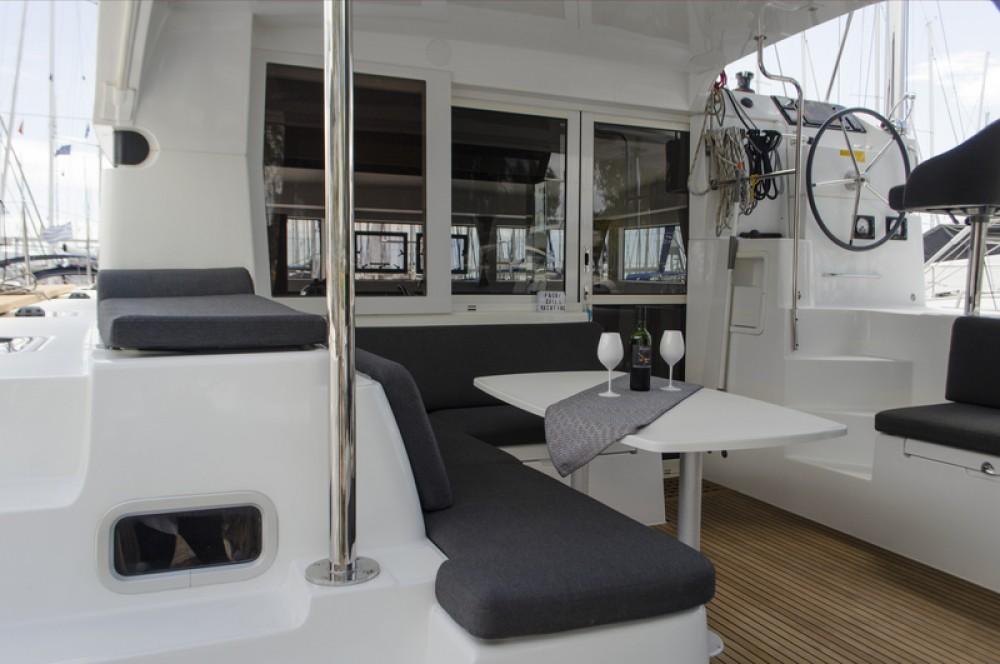 Rental yacht Alimos Marina - Lagoon Lagoon 40 on SamBoat