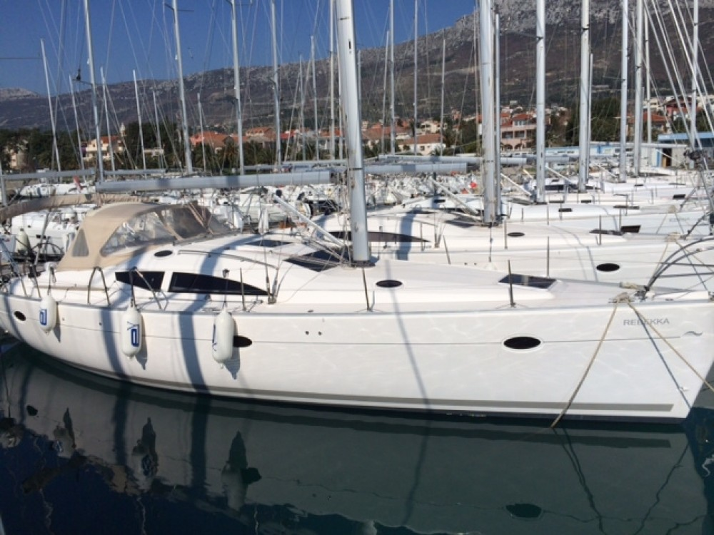 Boat rental Elan Elan 434 in Unity on Samboat