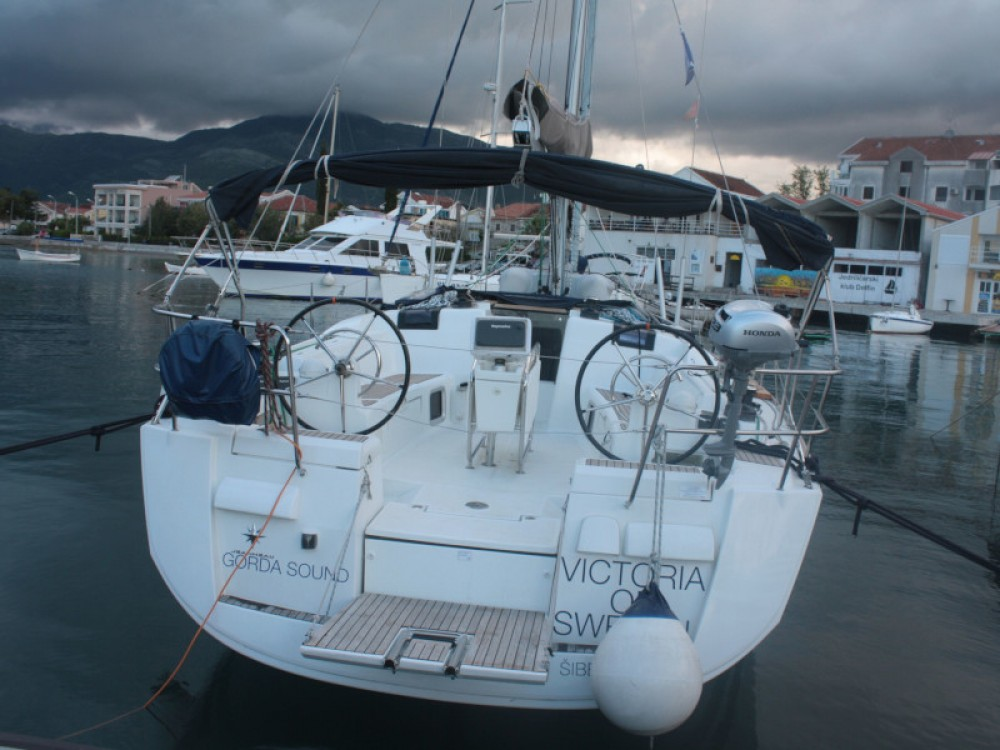 Sailboat for rent Unity at the best price