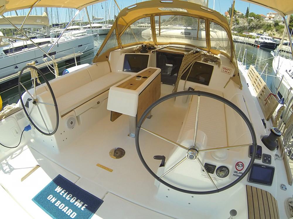 Rental Sailboat in Šibenik - Dufour Dufour 382 GL