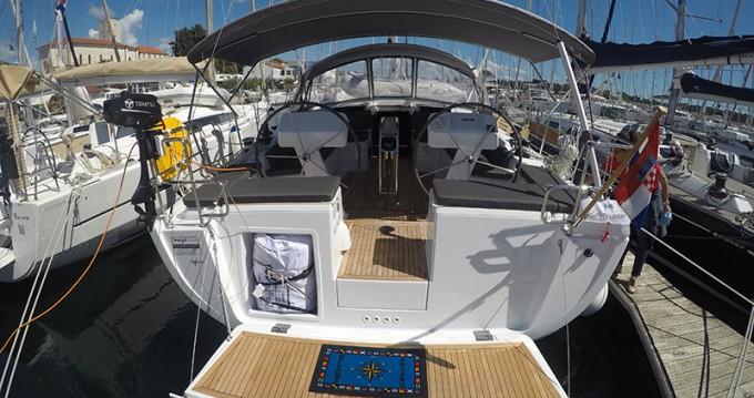 Rental Sailboat in Šibenik - Hanse Hanse 458