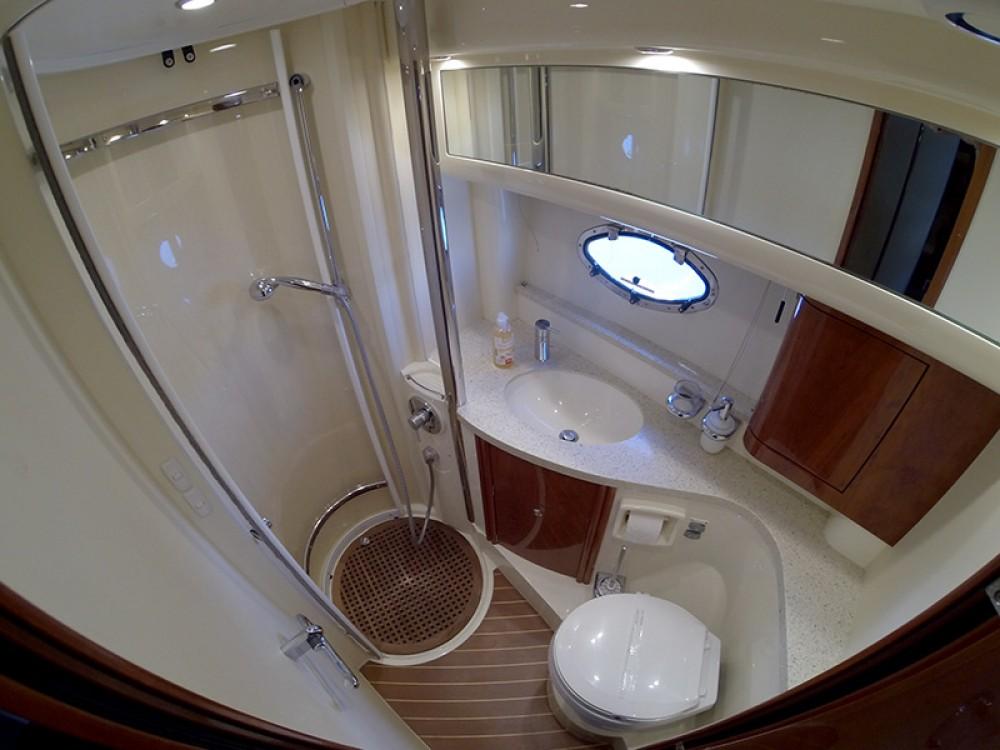 Boat rental Fairline Fairline Phantom 40 in Šibenik on Samboat