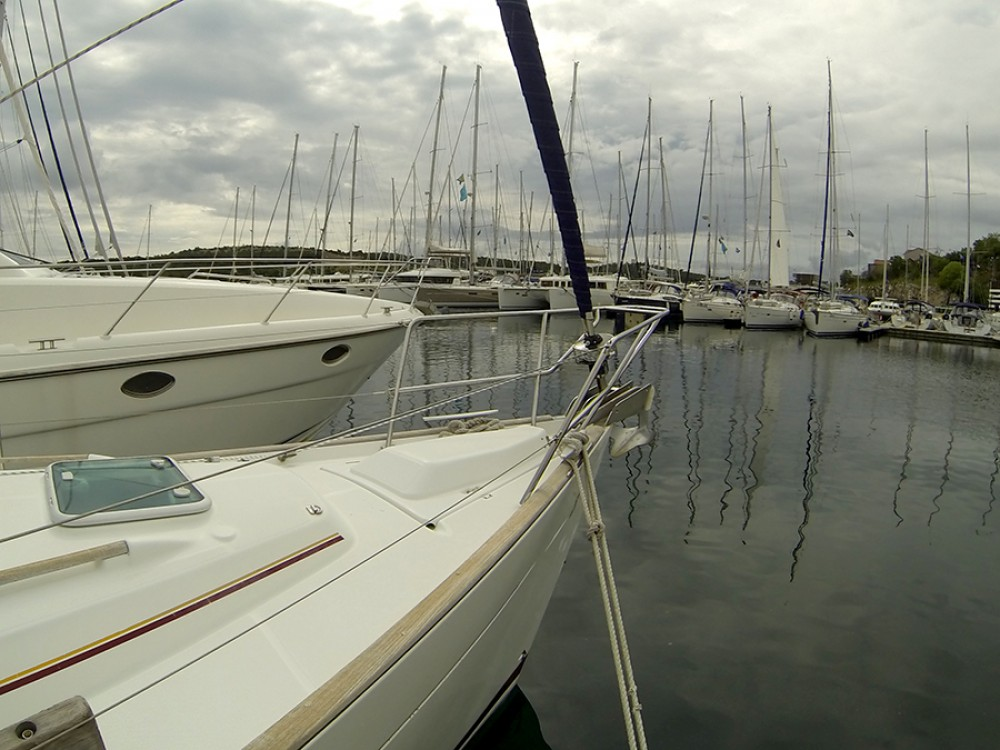 Sailboat for rent Šibenik at the best price