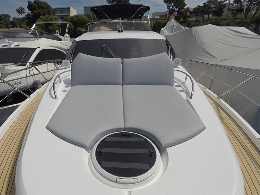 Boat rental Sunseeker Sunseeker Manhattan 60 in Šibenik on Samboat