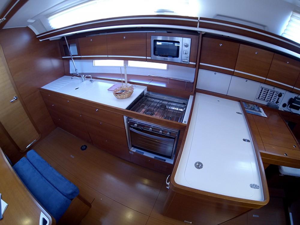Boat rental Dufour Dufour 445 GL in Šibenik on Samboat