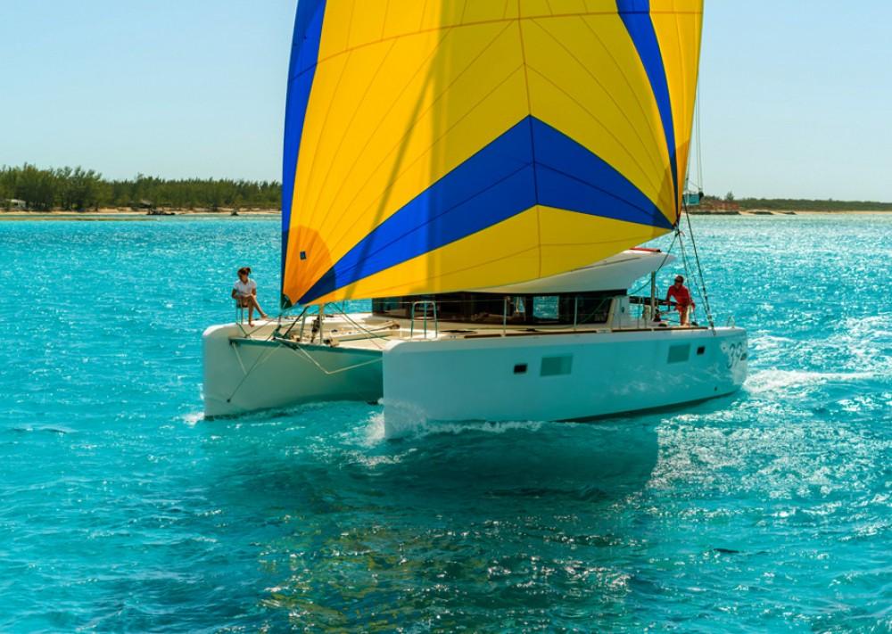 Rental Catamaran in Šibenik - Lagoon Lagoon 39 2016