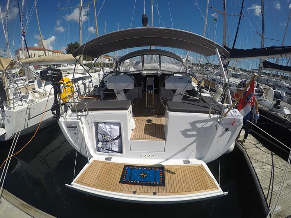 Rental Sailboat in Sebenico - Hanse Hanse 458