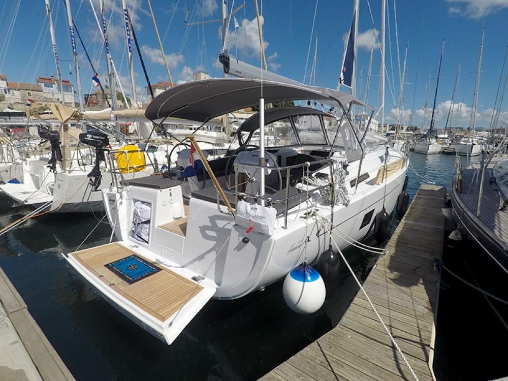 Boat rental Hanse Hanse 458 in Sebenico on Samboat