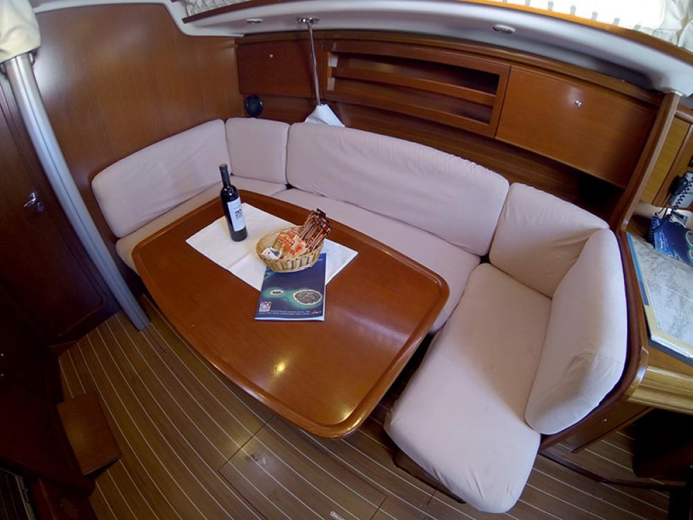 Rental yacht Šibenik - Grand Soleil Grand Soleil 37 R on SamBoat