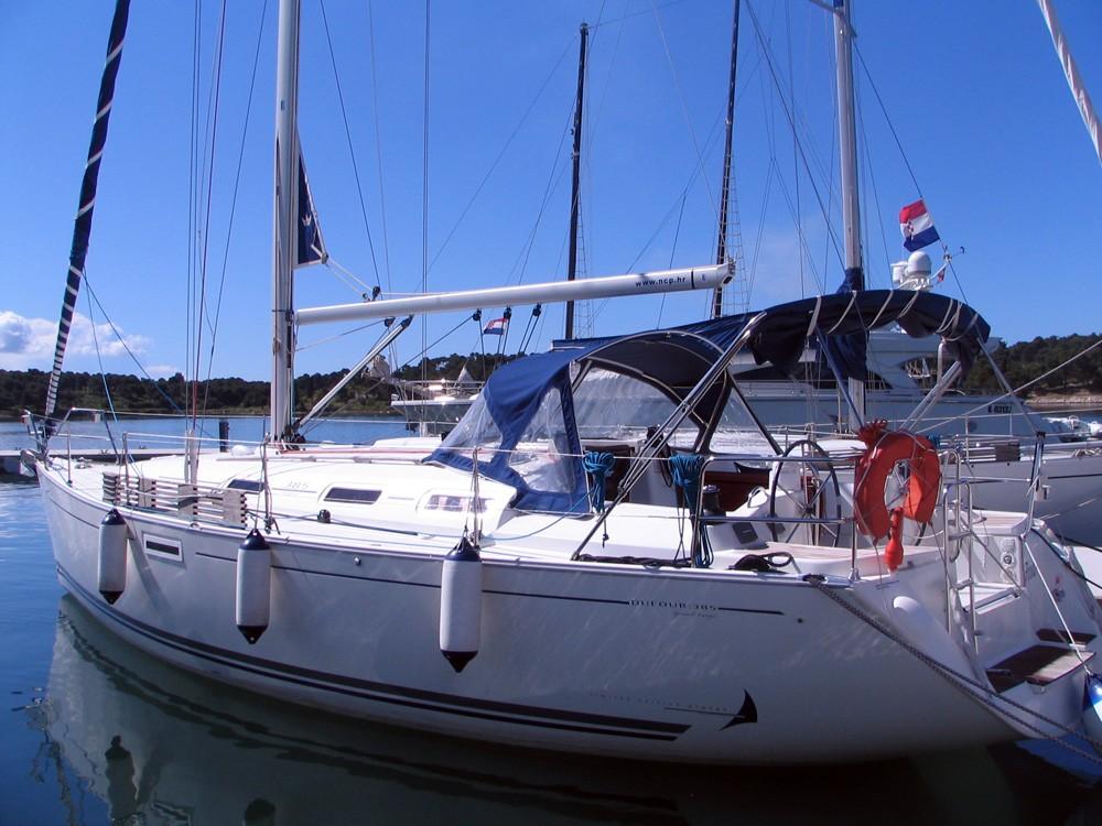 Boat rental Dufour Dufour 385 GL in Šibenik on Samboat