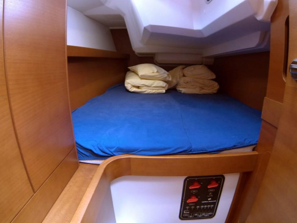 Rental yacht Šibenik - Grand Soleil Grand Soleil 39 on SamBoat