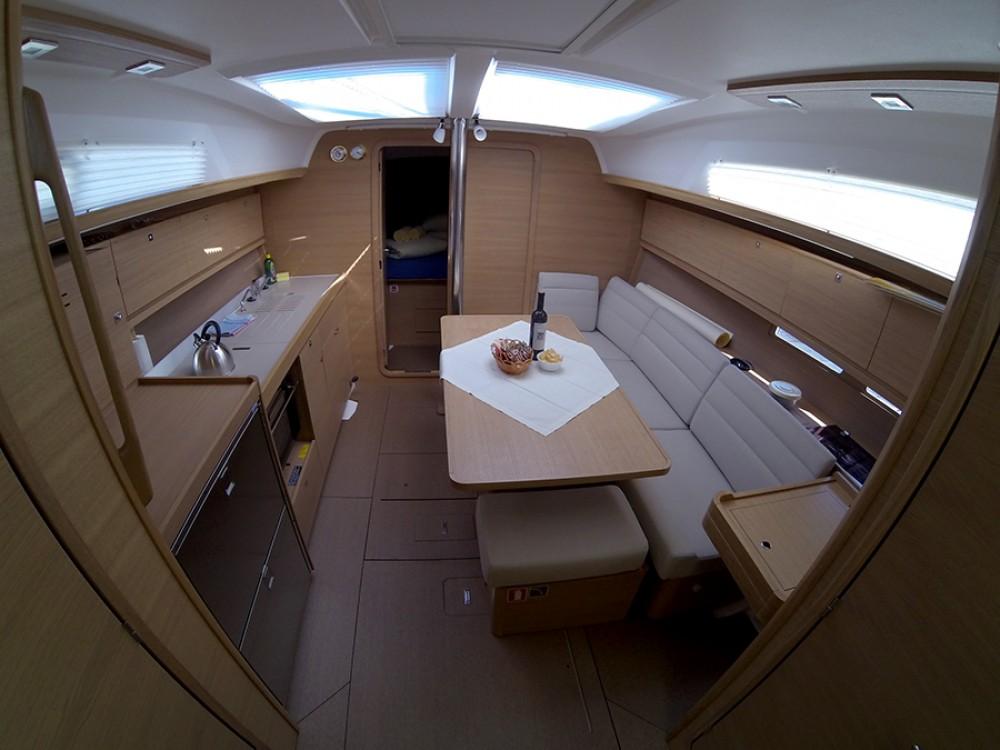 Rental yacht  - Dufour Dufour 382 GL on SamBoat