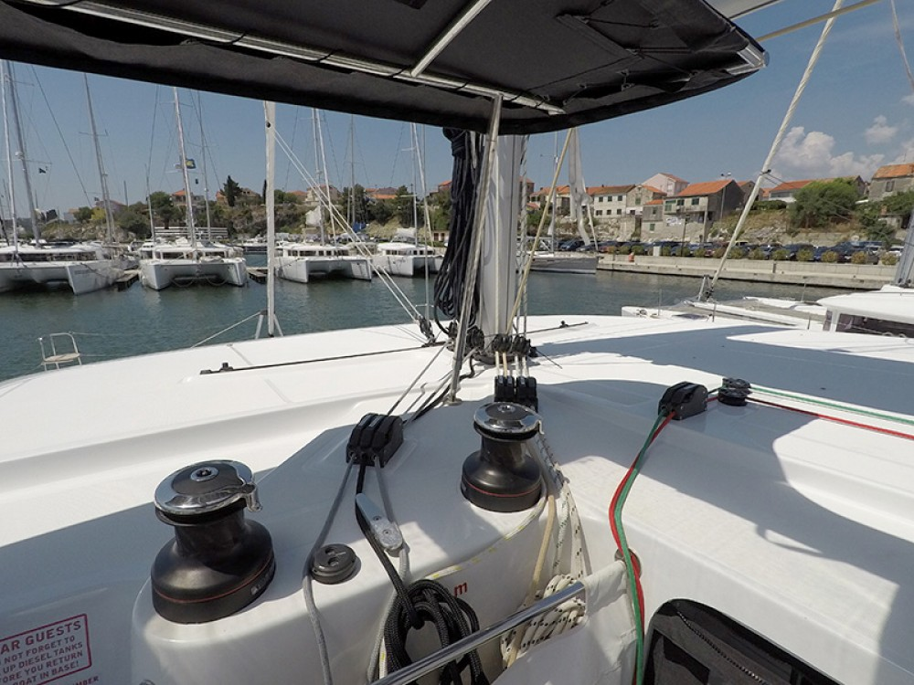 Hire Catamaran with or without skipper Lagoon Sebenico