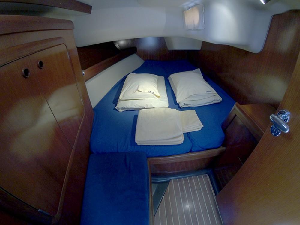 Rental yacht Šibenik - Grand Soleil Grand Soleil 46.3 on SamBoat