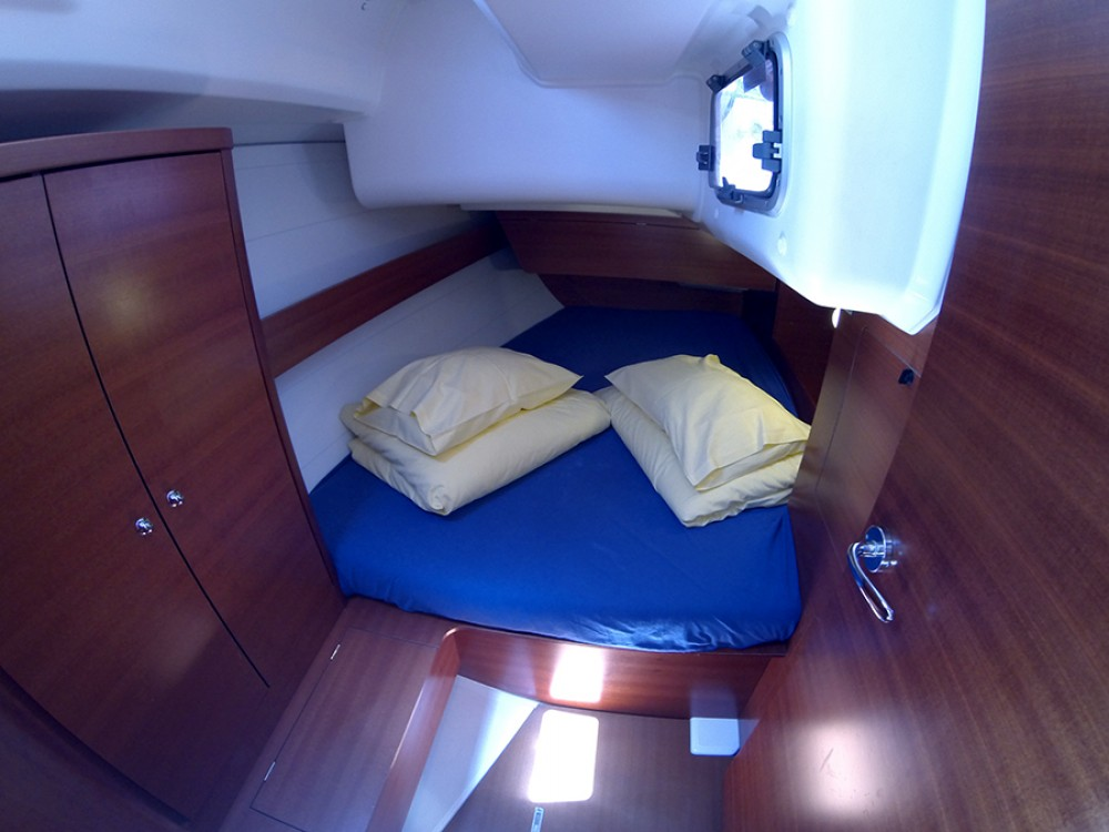 Rental Sailboat in Šibenik - Dufour Dufour 375 GL