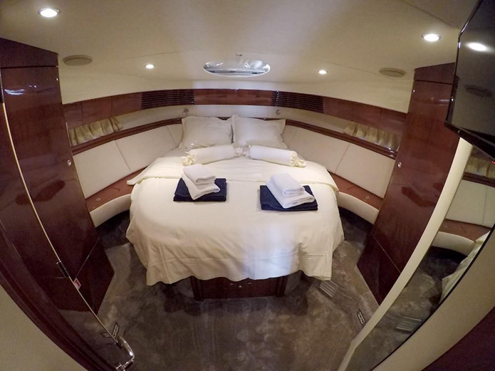 Boat rental  cheap Fairline Phantom 50