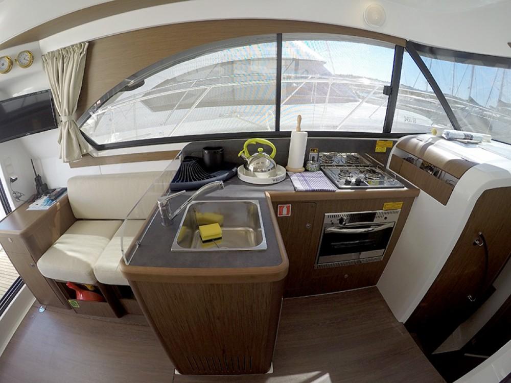 Rental Motor boat in Šibenik - Bénéteau Beneteau Antares 36
