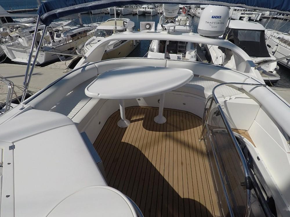 Rental yacht  - Fairline Fairline Phantom 50 on SamBoat