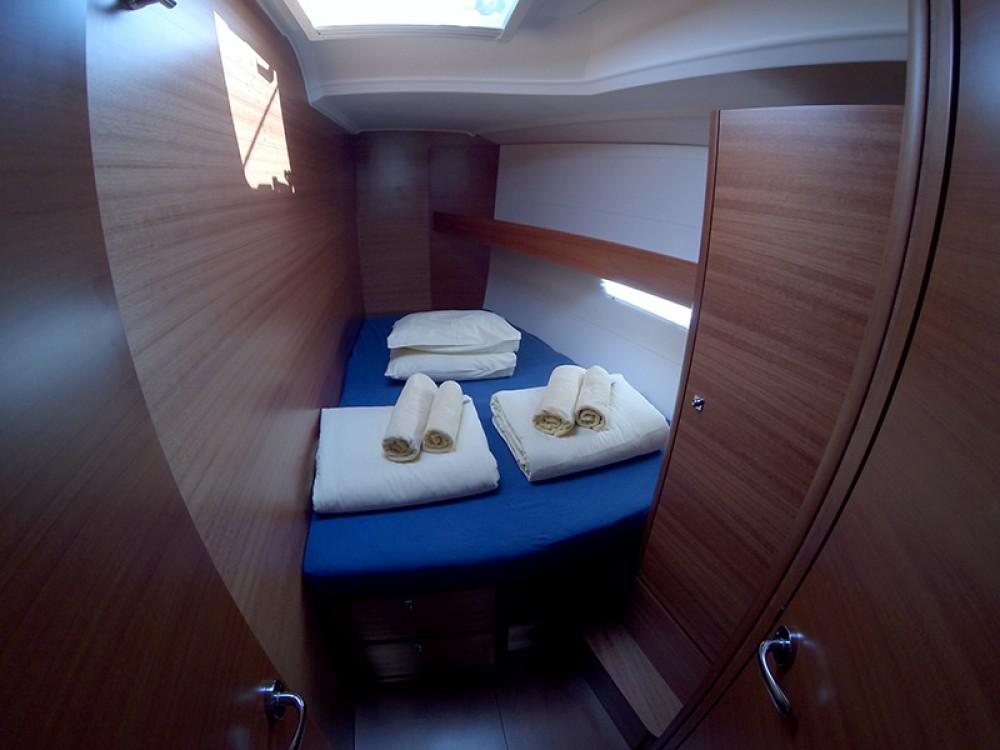 Boat rental Dufour Dufour 460 4 cab in Šibenik on Samboat