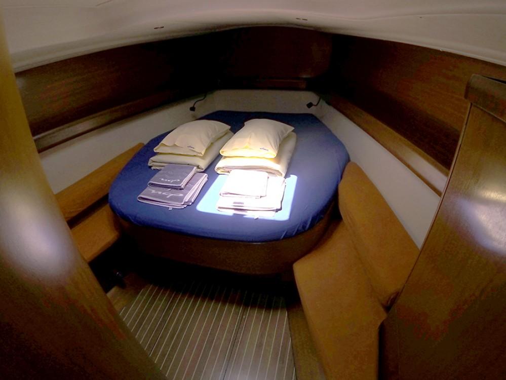 Rental yacht Šibenik - Grand Soleil Grand Soleil 45 on SamBoat