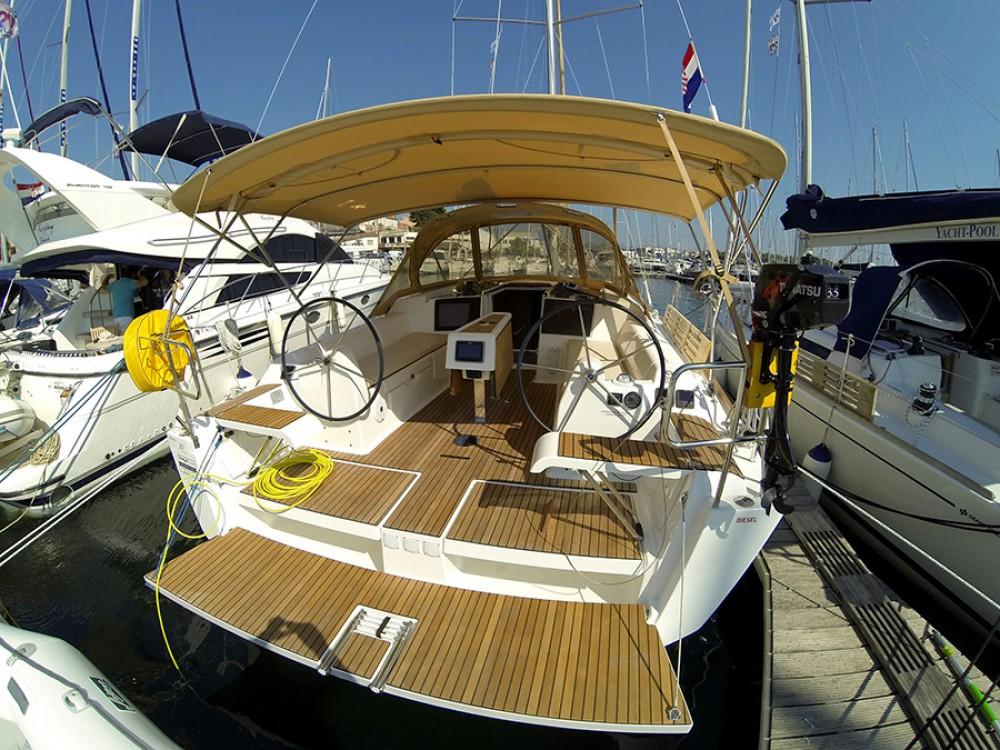 Boat rental Šibenik cheap Dufour 382 GL