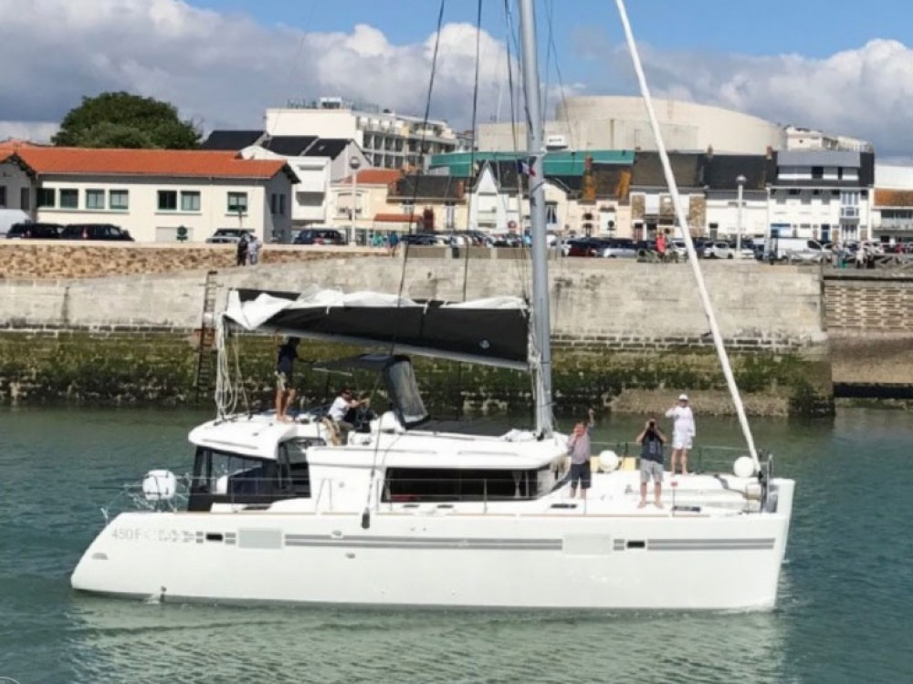 Boat rental Rodi Garganico cheap Lagoon 450  Flybridge