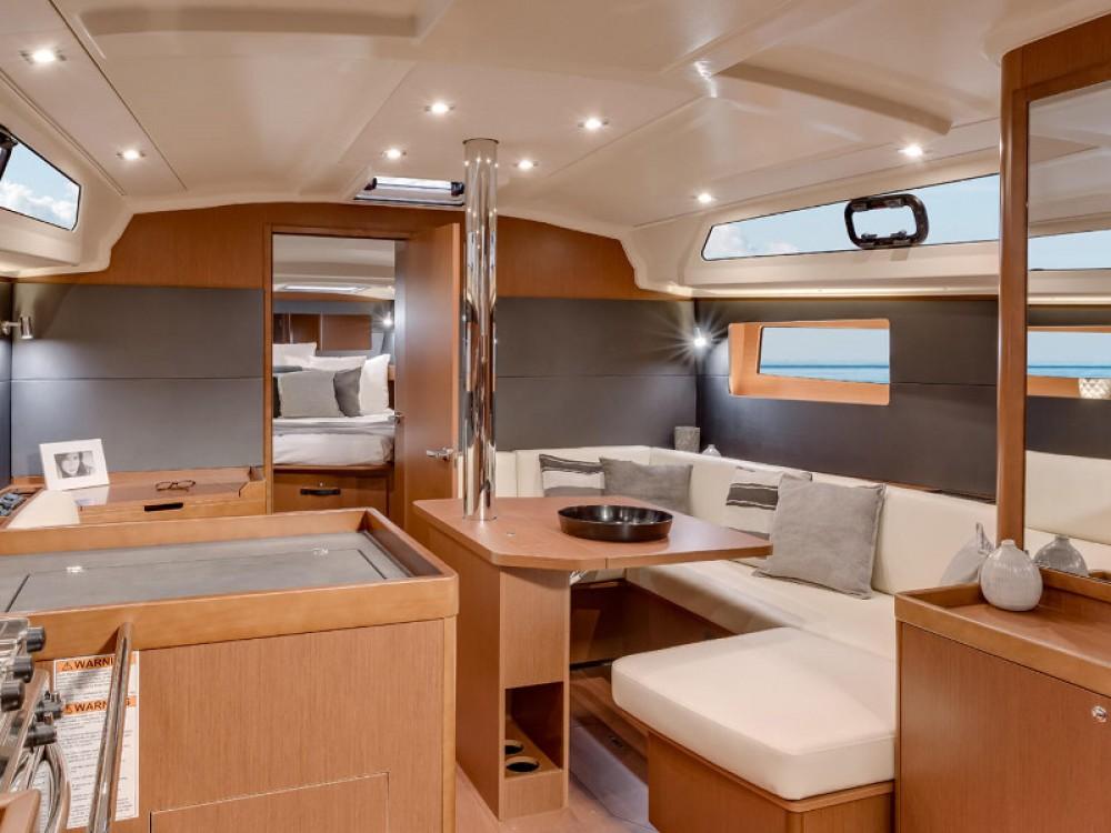 Rental Sailboat in Skiathos - Bénéteau Oceanis 411