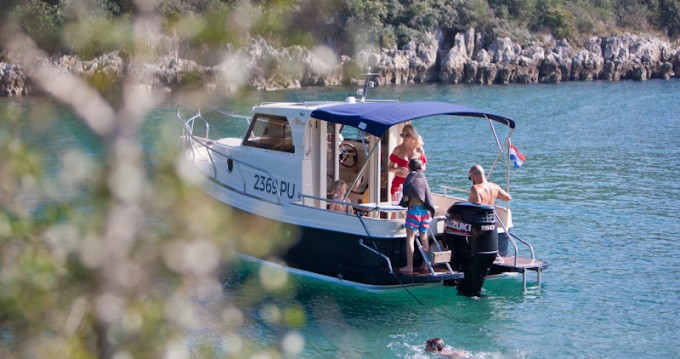 Boat rental Leidi Leidi 660 in Veruda on Samboat