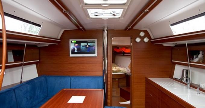 Rental yacht San Vincenzo - Dufour Dufour 405 GL on SamBoat
