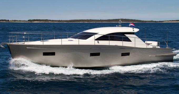 Boat rental Pula cheap Cyrus 13.8 Hardtop