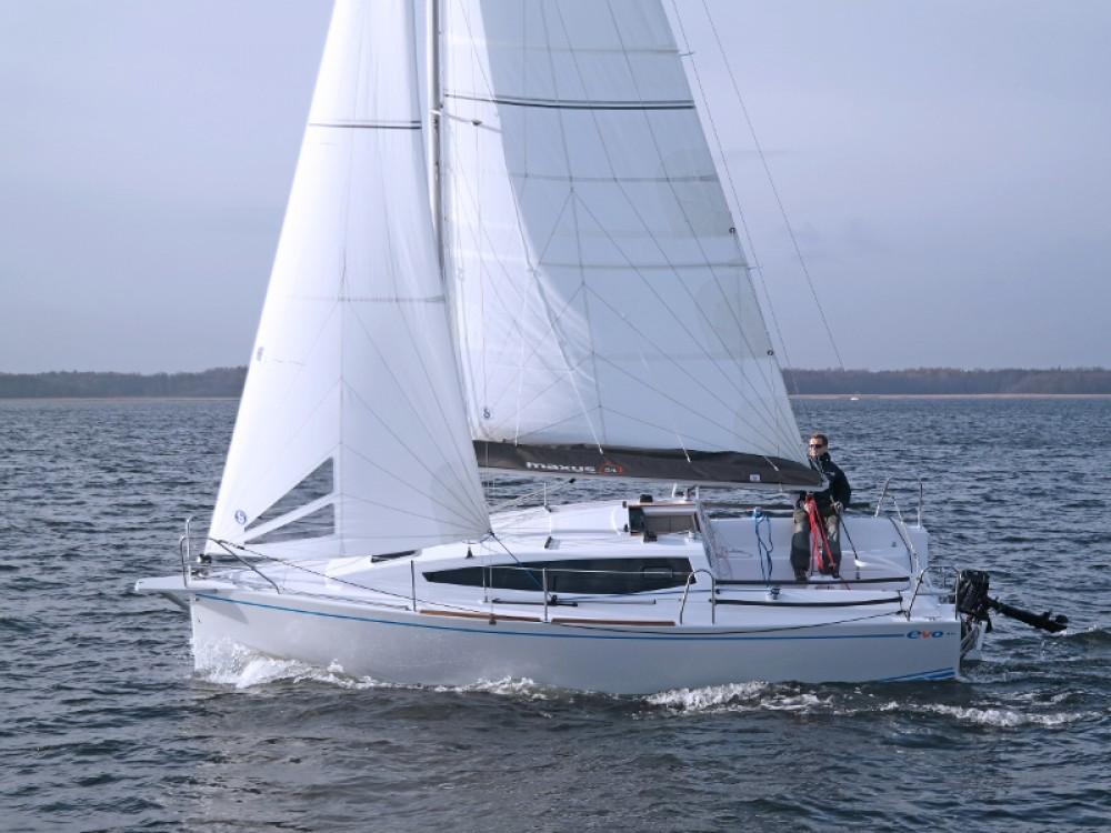 Rent a Northman Maxus 26 Prestige + 8/1 Wilkasy