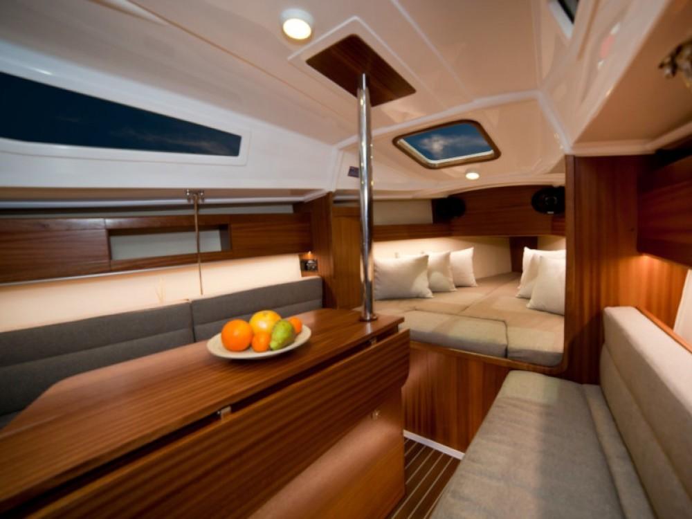 Rental Sailboat in  - Northman Maxus 26 Prestige 8/1