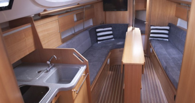 Rental yacht Wilkasy - Northman Maxus 33.1 RS Standard on SamBoat