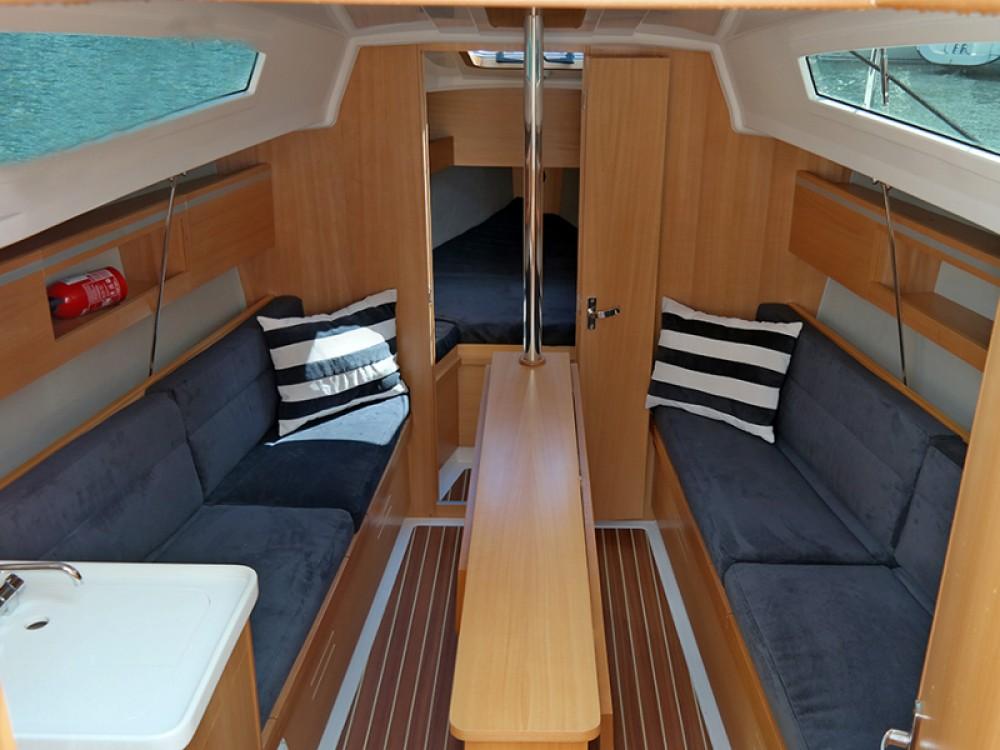 Boat rental Northman Maxus 26 Prestige + 8/1 in Węgorzewo on Samboat